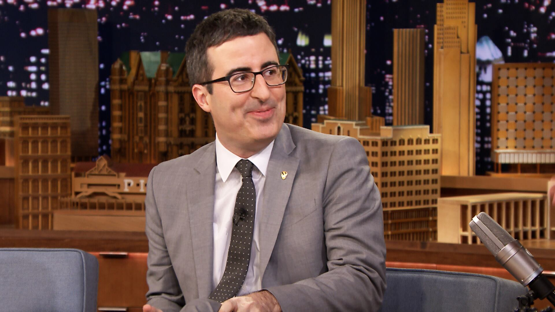 John Oliver Knows Richard Pryor's Stand-Up by Heart
