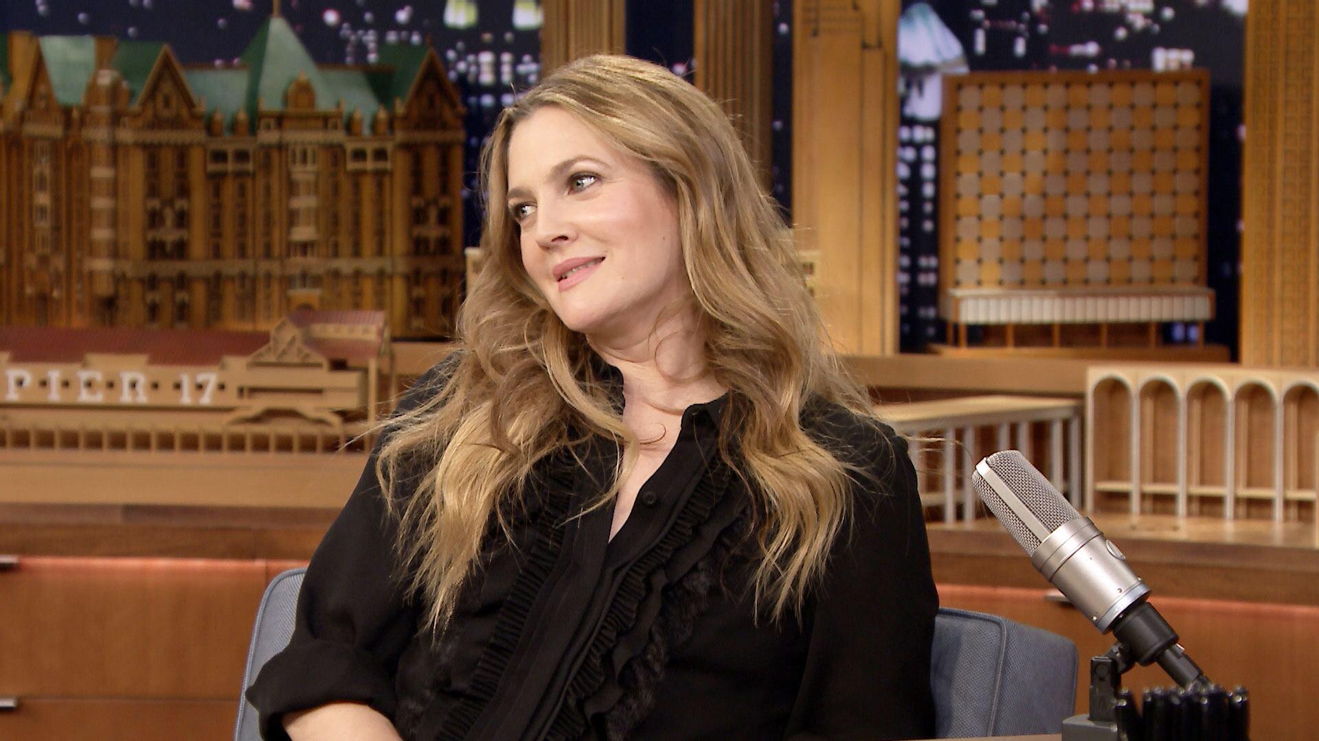 Drew Barrymore Is a Big Fan of Fanny Packs and SZA