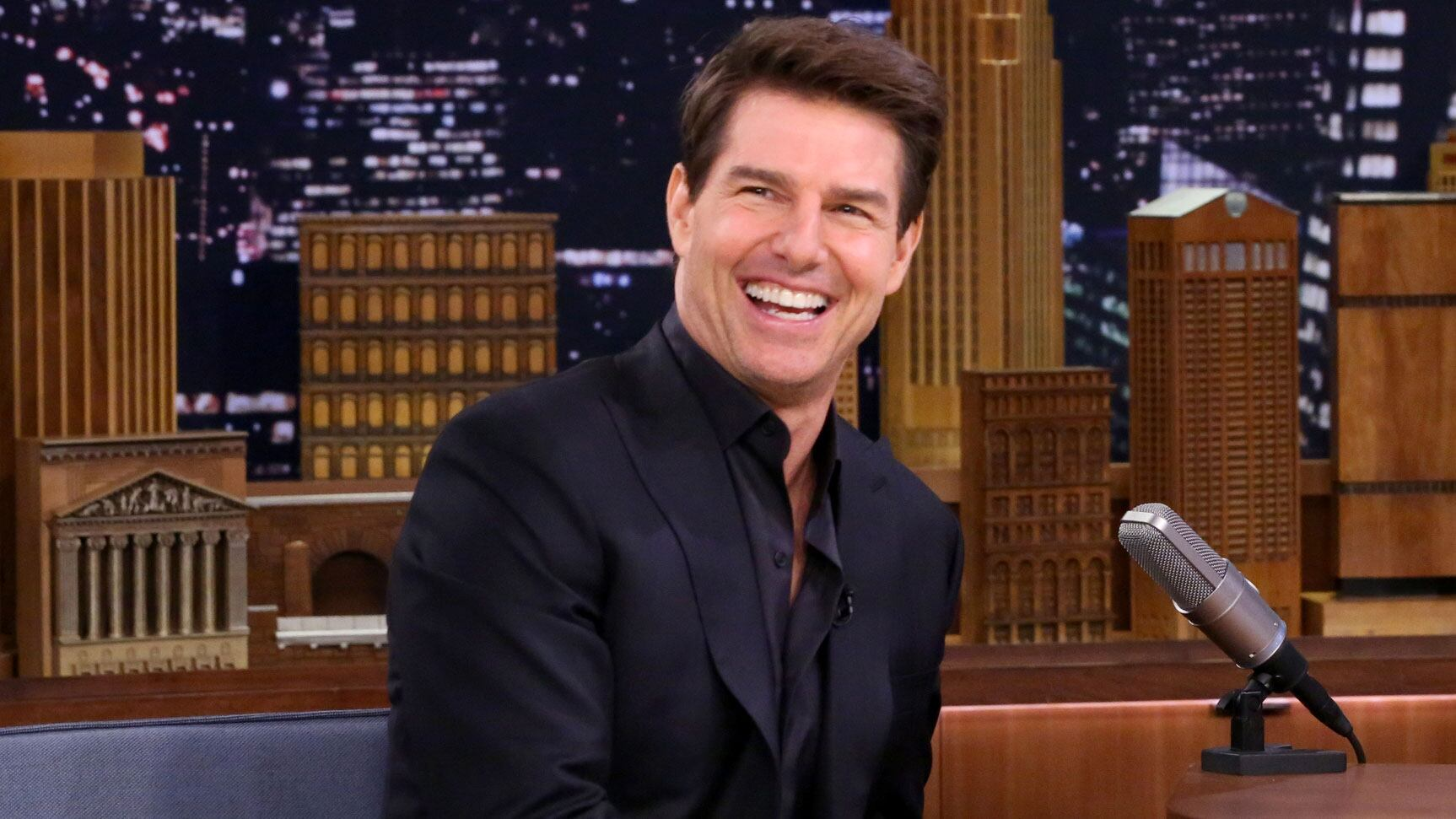 "Tom Cruise Shot a ""Mummy"" Scene in a Zero-Gravity Vomit Comet"