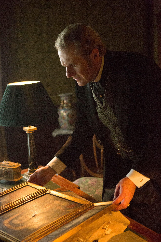 Pictured: Robert Bathurst as Lord Thomas Davenport