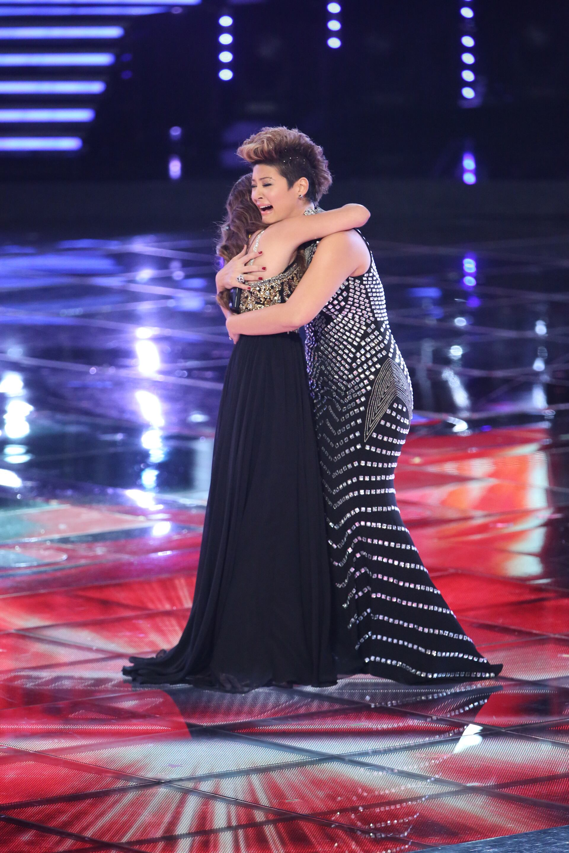 "THE VOICE -- ""Live Finale"" Episode 519B -- Pictured: (l-r) Jacquie Lee, Tessanne Chin -- (Photo by: Tyler Golden/NBC)"