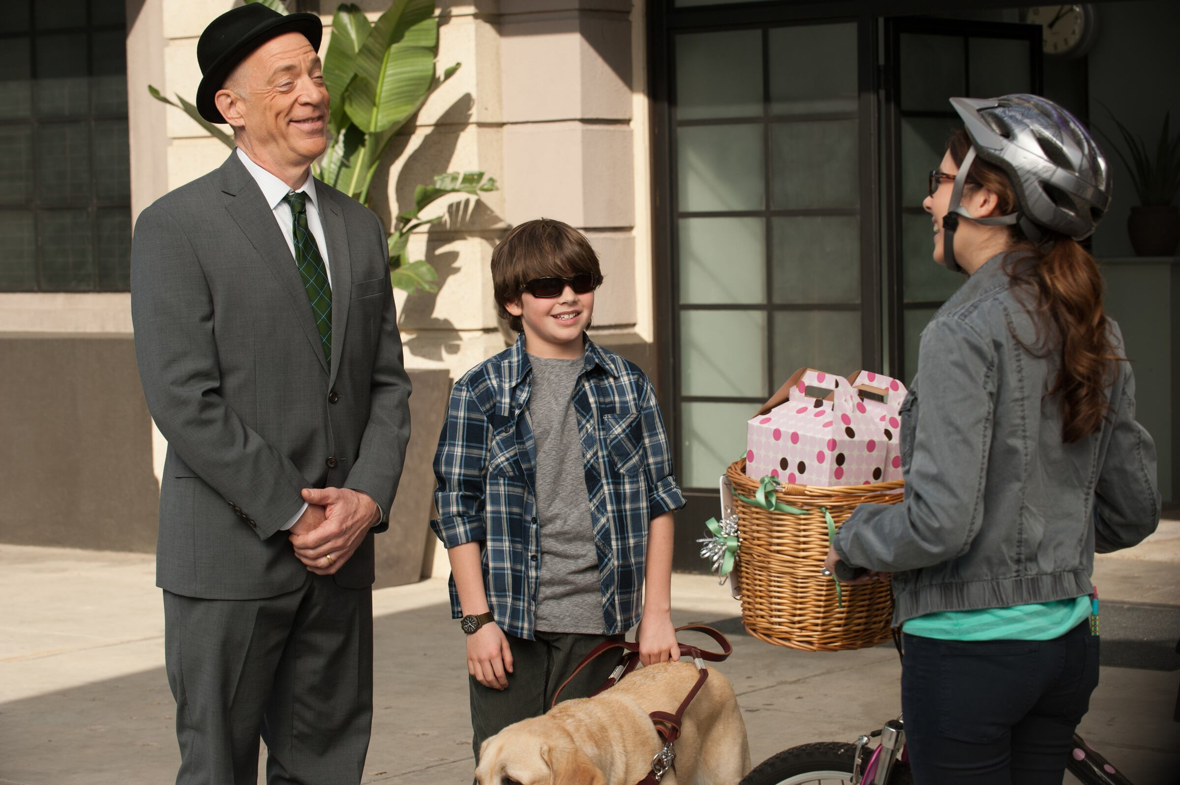 "Photo from the episode ""Blind Man's Bluff"""