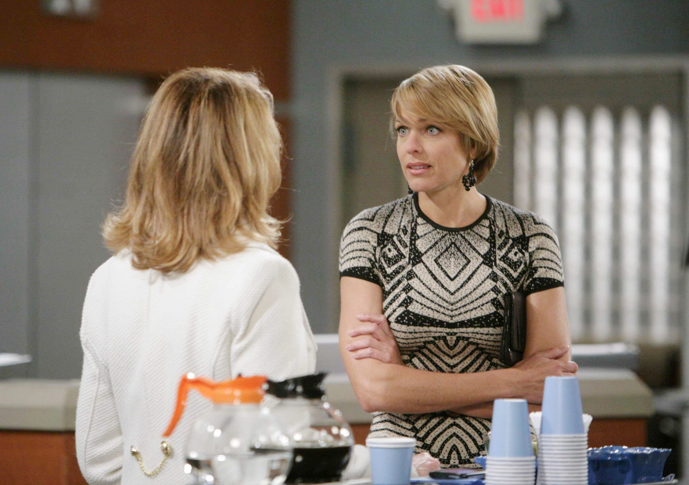 Nicole's mistake further fuels Marlena's suspicions.