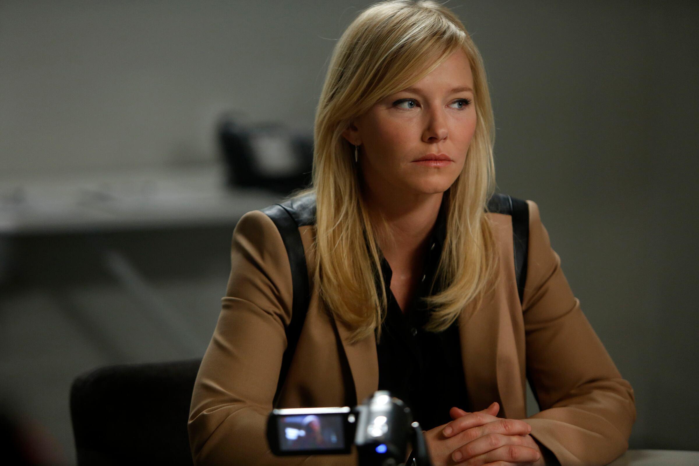 "LAW & ORDER: SPECIAL VICTIMS UNIT -- ""Post-Mortem Blues"" Episode 1521 -- Pictured: (l-r) Kelli Giddish as Det. Amanda Rollins -- (Photo by: Craig Blankenhorn/NBC)"