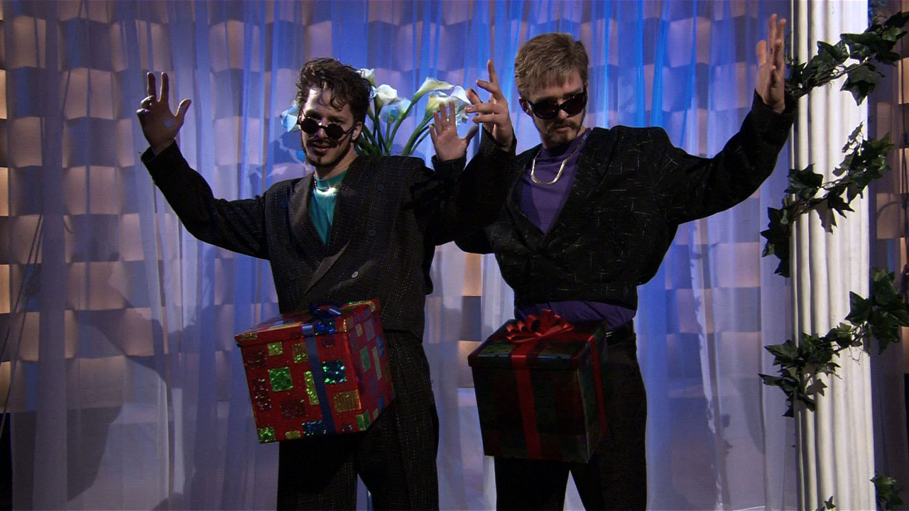 watch saturday night live highlight snl digital short d in a box nbccom - The Christmas Box Cast