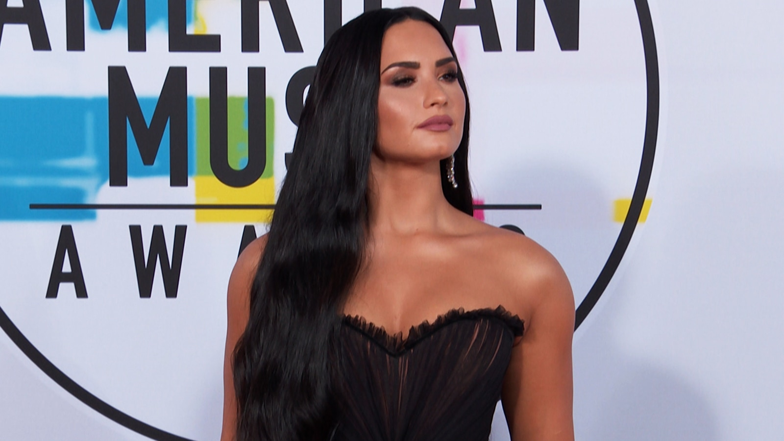 Watch access interview demi lovato opens up about body insecurities watch access interview demi lovato opens up about body insecurities on social media admits to gaining weight nbc m4hsunfo