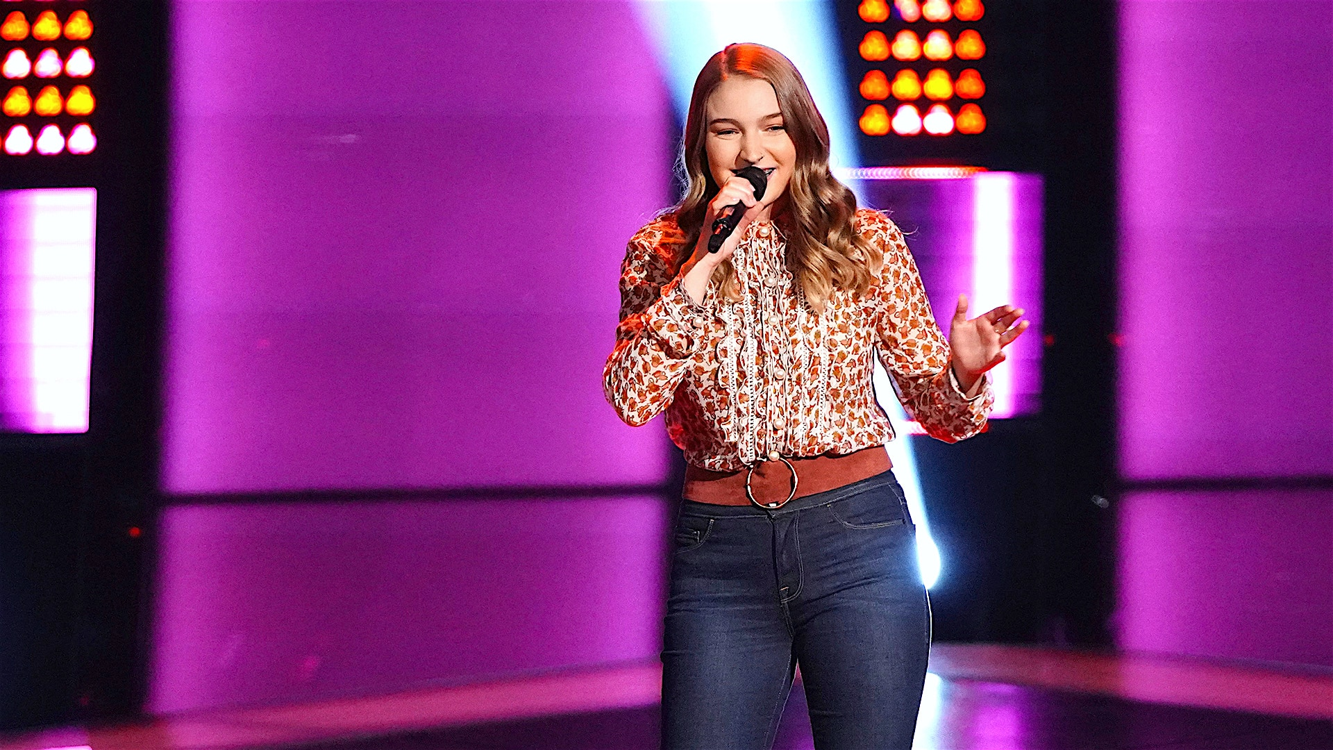 Watch The Voice Highlight Emily Hough Blind Audition