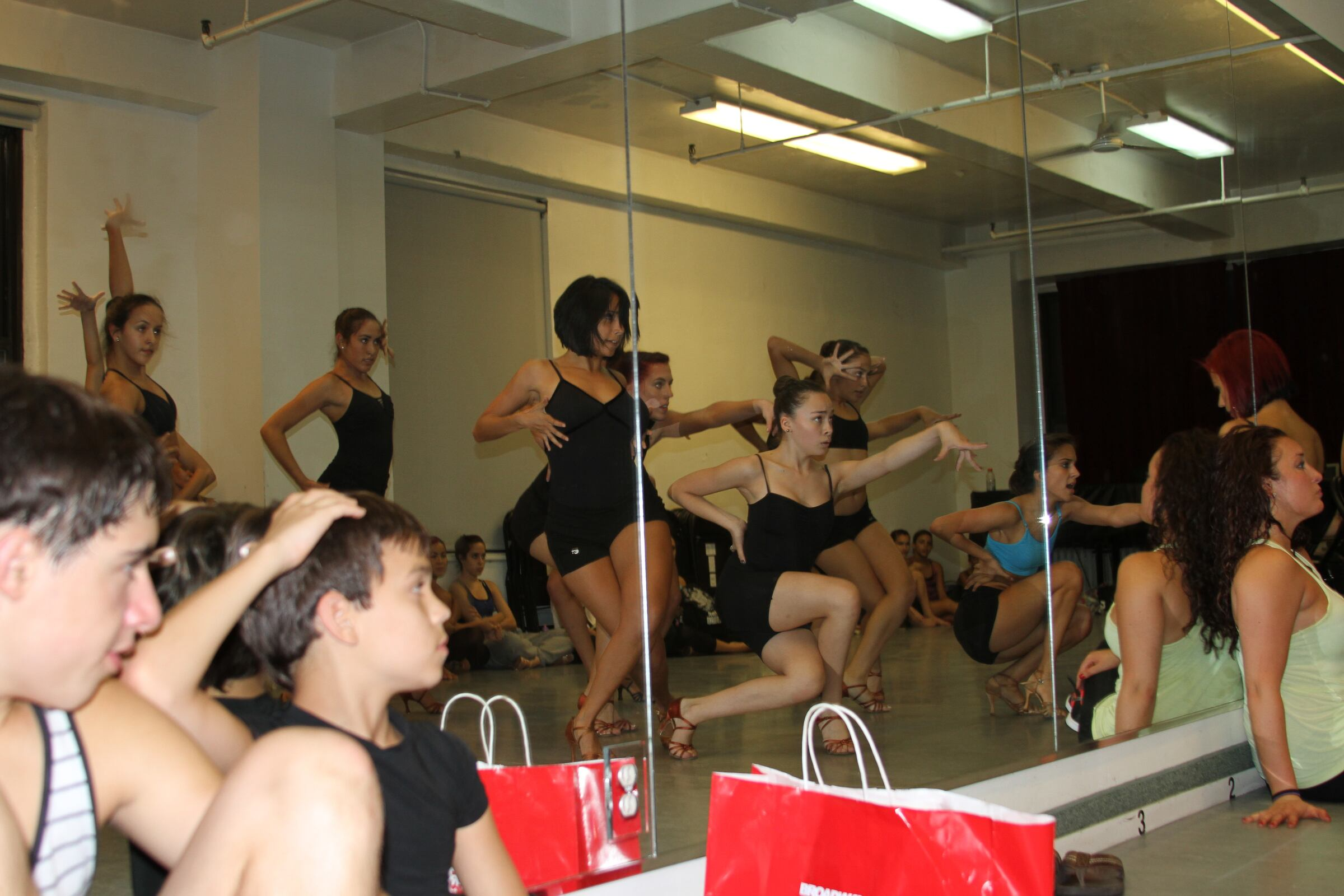 Keep On Dancing Girls!