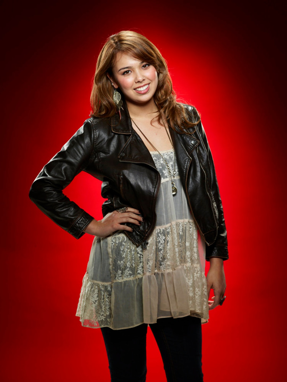 Meet Julia Garner Ozark S Breakout Star And Fashion S: The Voice: Meet Julia Eason Photo: 226701