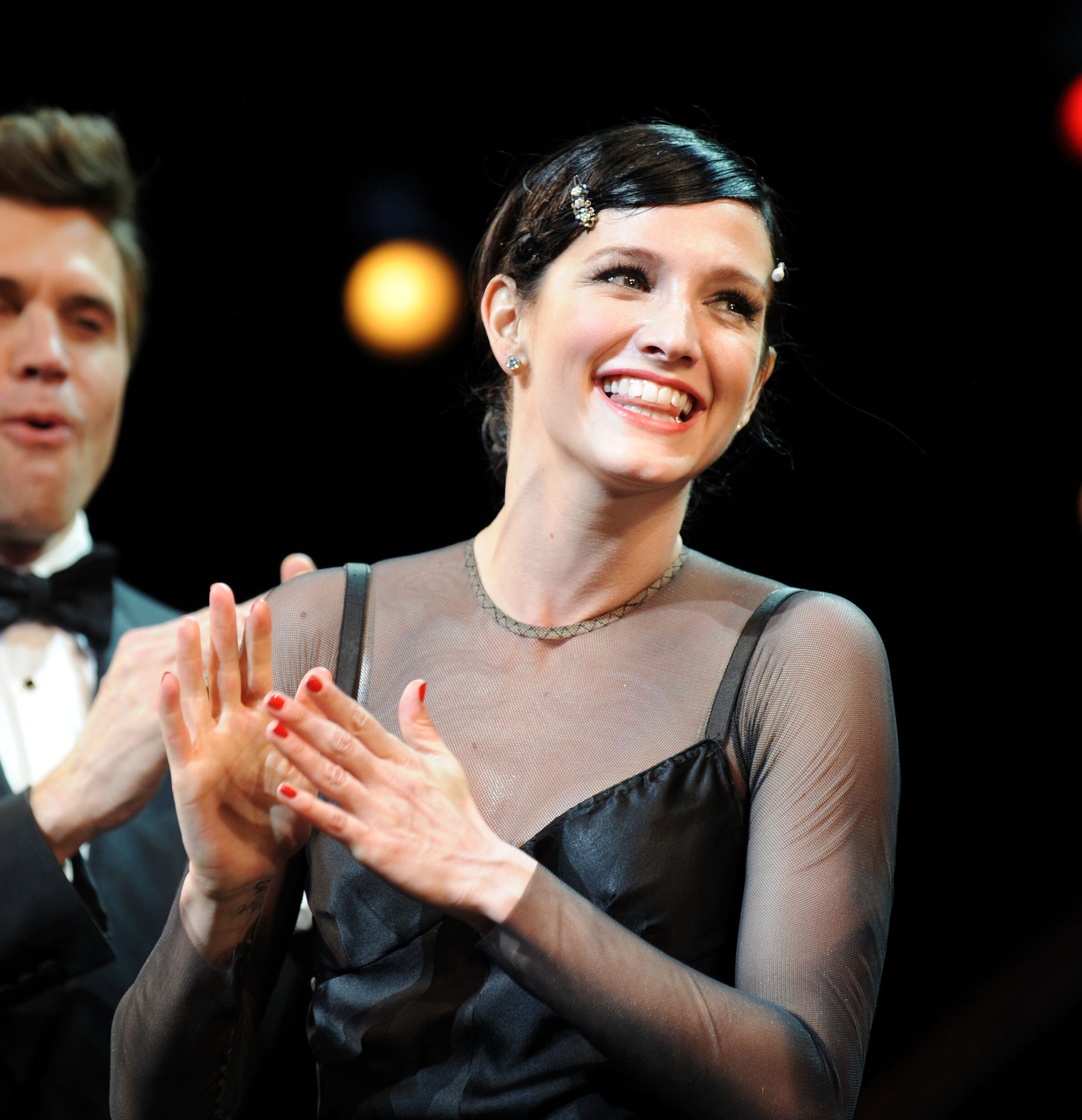 "Ashlee Simpson-Wentz Makes Her Broadway Debut In ""Chicago"""
