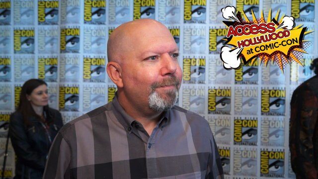 'Arrow's' Marc Guggenheim On S6's Family Theme, The Vigilante Mystery & More