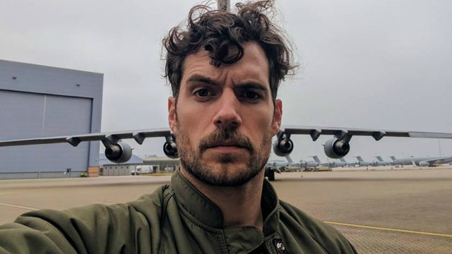 Is Henry Cavill's Mustache Causing Drama On The 'Justice League' Set?