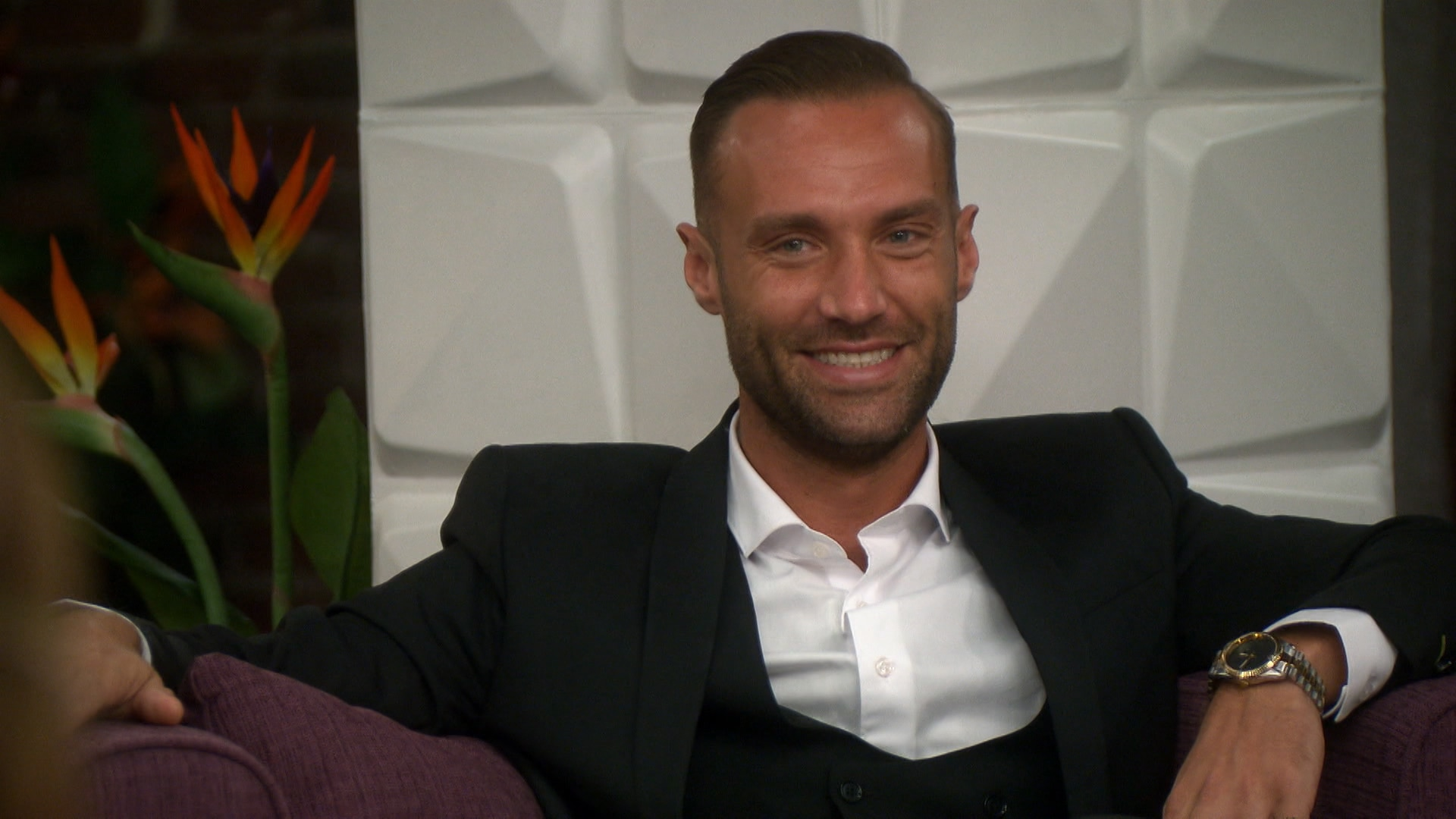 Watch Famously Single Episode: Disappearance of Calum Best